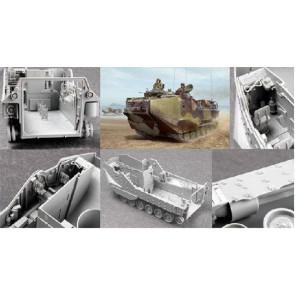 Hobby Boss 1/35 AAVP-7A1 Assault Amphibious Vehicle 82413