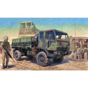 Trumpeter 1/35 M1078 Light Medium Tactical Vehicle (LMTV) Standard Cargo Truck 01004